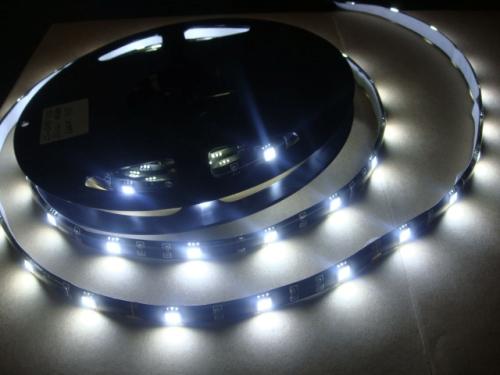Decora y ahorra en iluminación con las cintas LED